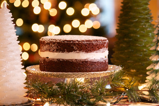 Merry Christmas with Gingerbread Cake