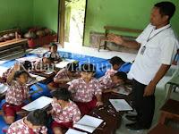 Retakan Tanah di SDN 2 Tugurejo, Slahung, Siswa Terpaksa Belajar di Ruang Karawitan