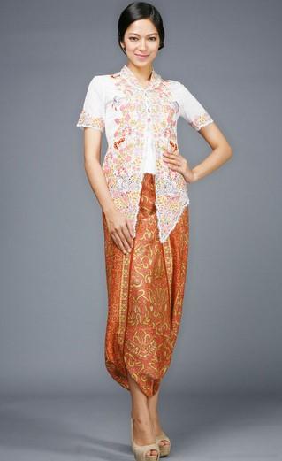 Koleksi Baju Kebaya Modern Simpel Desain Mewah