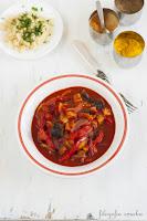 Curry z bakłażanem i papryką