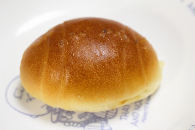 「ひげのパン屋北のパン焼き小屋」の「塩バターパン」