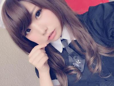 Pose Selfie Yang Paling Populer Di Jepang
