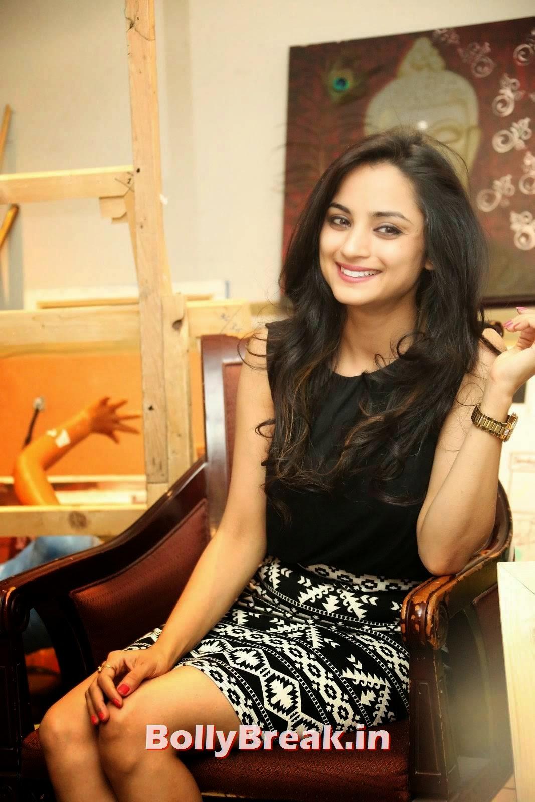 Madirakshi Latest Stills, Actress Madirakshi Hot Pics in Skirt & Black Top