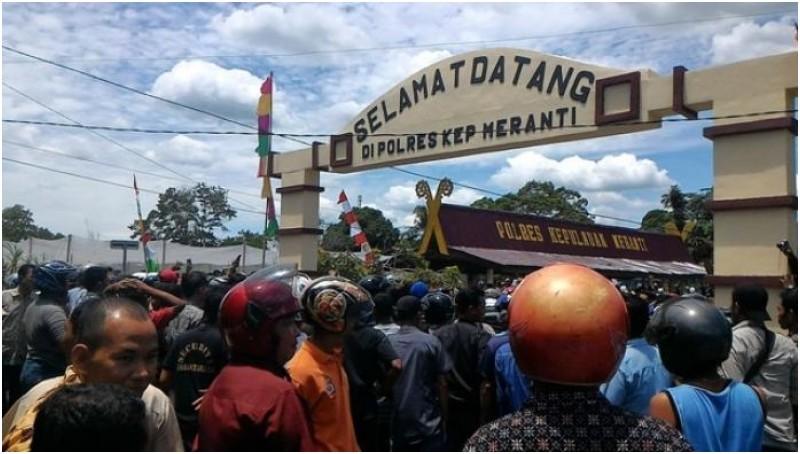 Kerusuhan yang terjadi di Mapolres Kepulauan Meranti