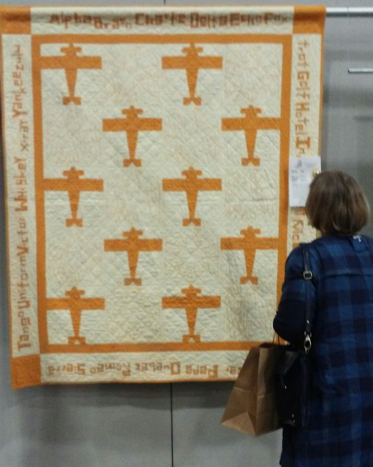 Country Log Cabin Northwest Quilters Quilt Show In Portland Or