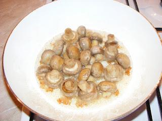 retete ciuperci prajite la tigaie sote de post,