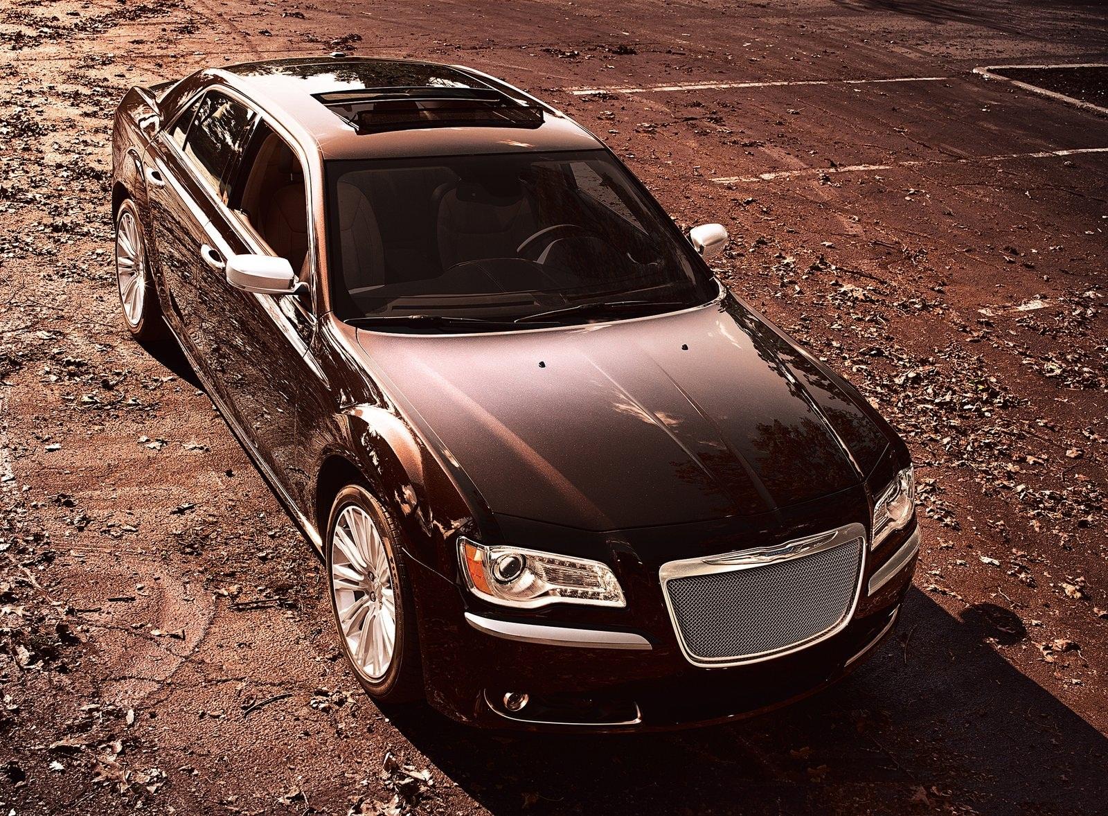 Luxury Vehicle 300: 2012 Chrysler 300 Luxury Series