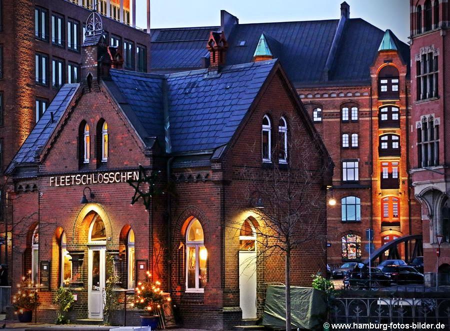 Fleetschlösschen Hamburg Speicherstadt am Abend