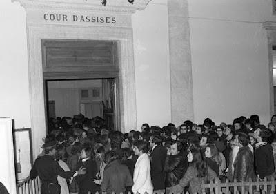 La salle d'audience du procès de Christian Ranucci à Aix-en-Provence, le 10 mars 1976.