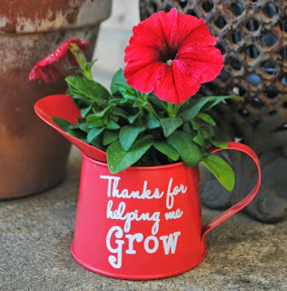 http://www.silhouetteschoolblog.com/2014/05/teacher-gift-idea-thanks-for-helping-me.html