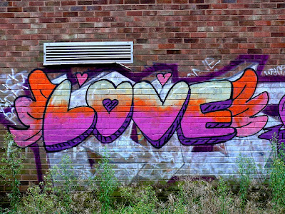 Love-Wallart-Graffiti