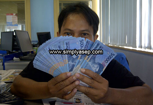 Earn Money By Viewing Advertisements With NeoBux. Its good choice too. Photo Kesusanto Liusvia