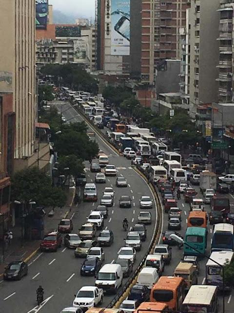 Transportistas se plantaron frente al ministerio de Transporte por falta de repuestos y rechazan censo