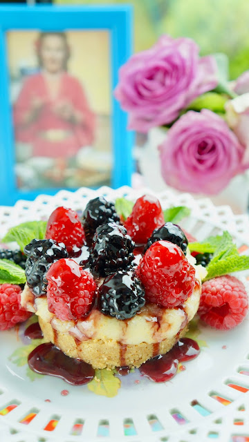 Fanny Cradock Berry Biscuit Base