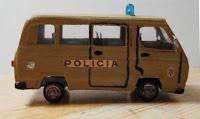 http://comohacermaquetas.blogspot.pe/2016/06/carro-policia-reciclado.html