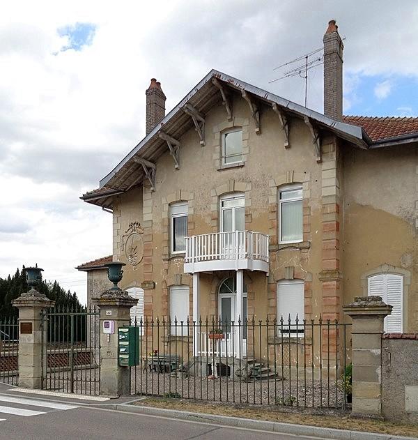 Le pays natal de jlj la maison de maurice barr s charmes for Andre maurois la maison