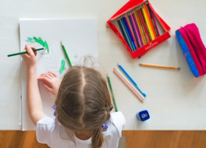 Trẻ thuận tay trái - Một số điều cần biết khi trẻ thuận tay trái