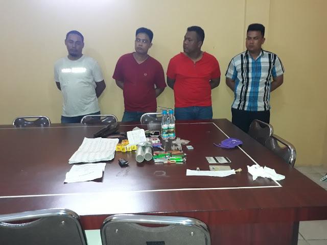 Tiga oknum polisi dan satu warga yang ditangkap tim gabungan TNI/Polri
