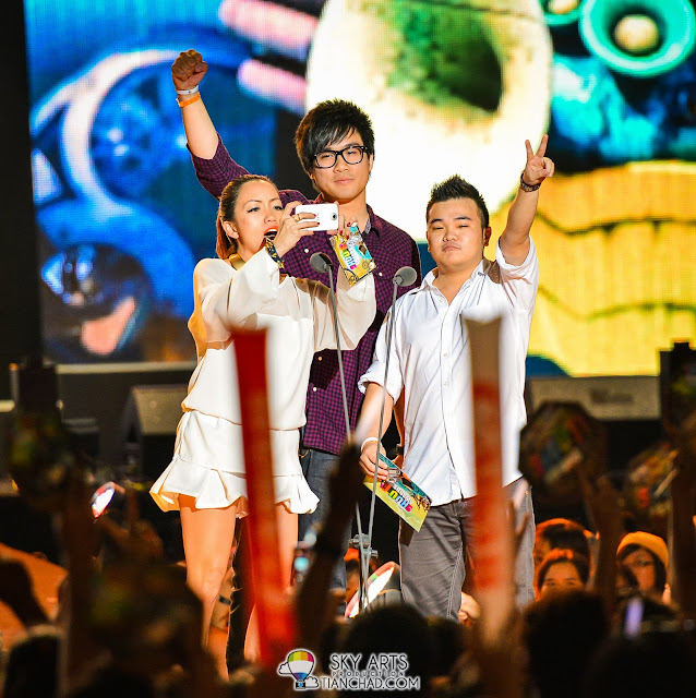 Serena C, Jinny Boy and Reuben Kang @ 8TV Shout! Awards 2012