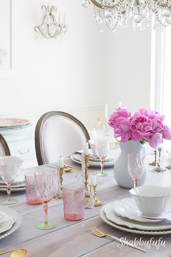 tablescape-centerpiece-pink-peonies