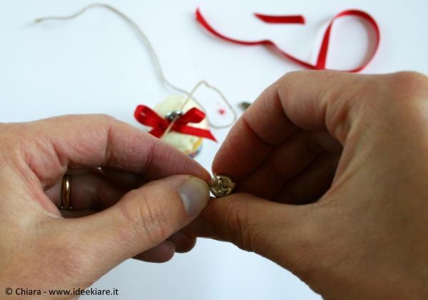 Riciclare i tappi dello spumante per fare decorazioni natalizie