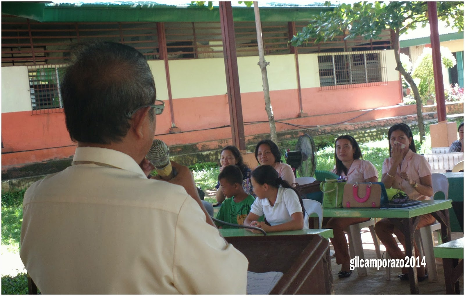 Sir Camporazo giving lecture on child rights