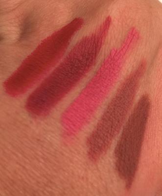revue et swatch Huda Beauty crayons à lèvres