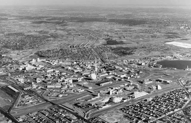 A March, 1940 aerial view of the World's Fair grounds.