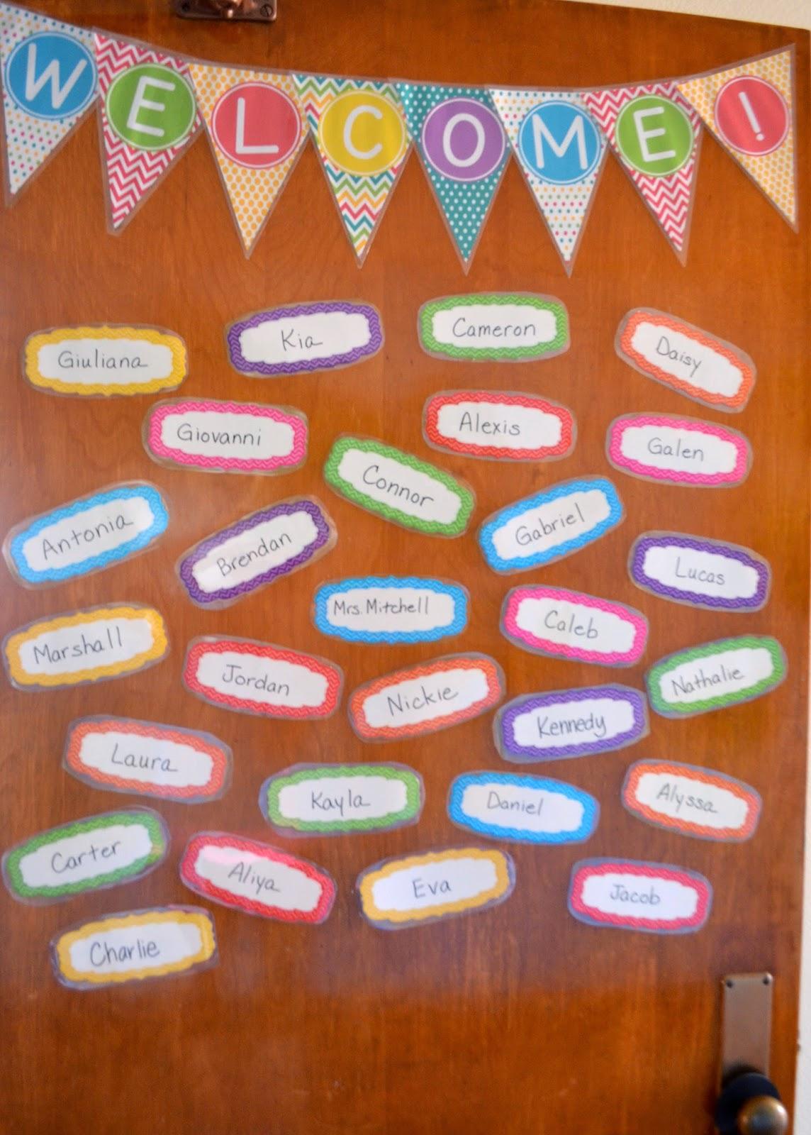 Middle School English Classroom Decor and Organization - EB ...