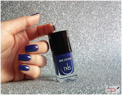 TNS cosmetics  China Blu polish