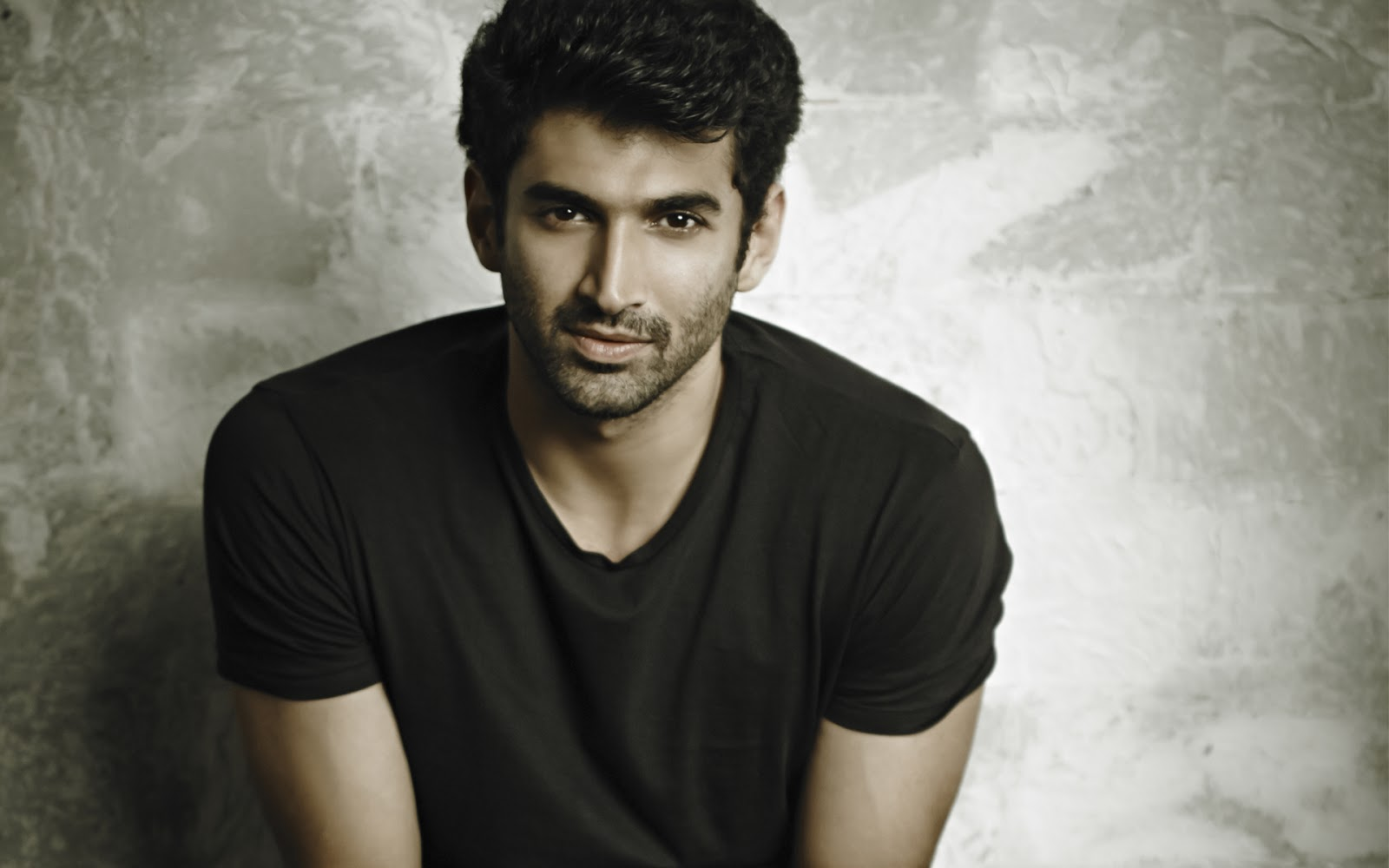 Bollywood Actors Walpaper In 2080p: Best And Hot Bollywood Actor Aditya Roy Kapoor Wide Screen