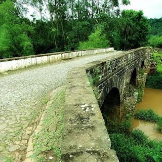 Ponte do Imperador, no Buraco do Diabo, em Ivoti