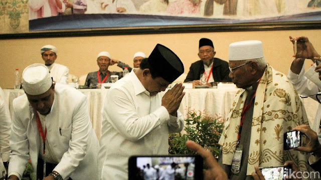 Habib Rizieq Minta Habaib dan Ulama Menangkan Prabowo-Sandi