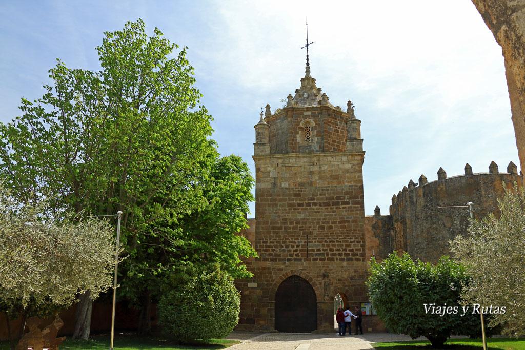 Torre del Homenaje, entrada al Monasterio de veruela