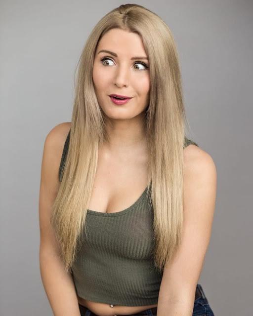 Lauren Southern ass