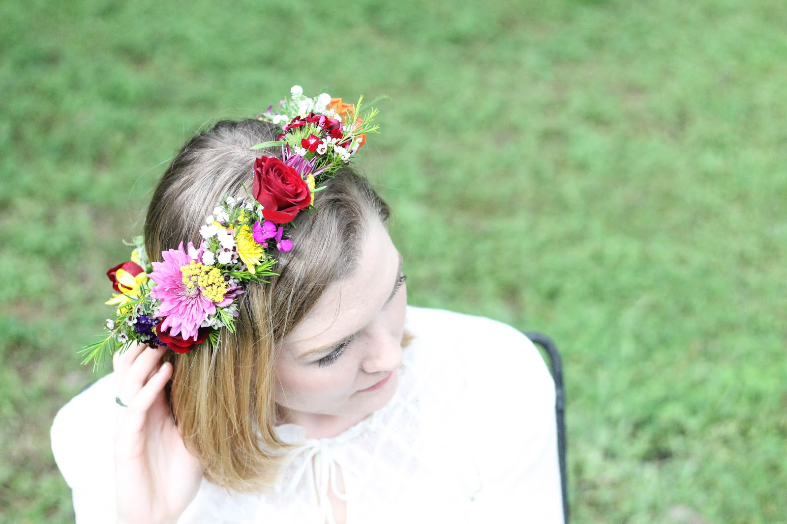 Diy flower crowns minnie muse i hope you all enjoyed this diyybe there will be more diy posts in the future here but for now enjoy the sheer beauty of flowers and flower crowns izmirmasajfo Gallery