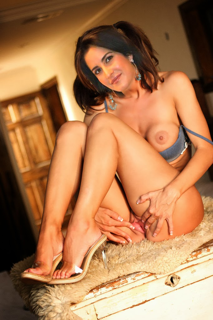 For that karina kaif hd nude
