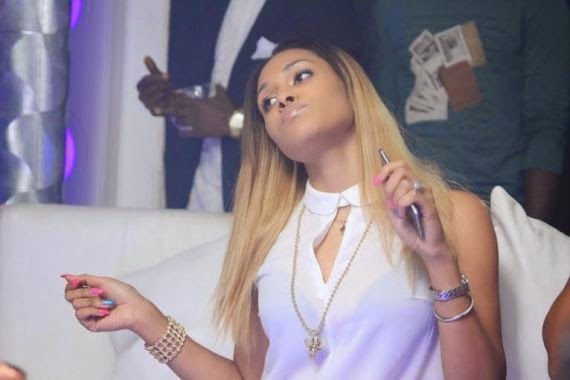1 Wizkid Parties With Girlfiend At Hennessy Artistry Club Tour [See Photo]