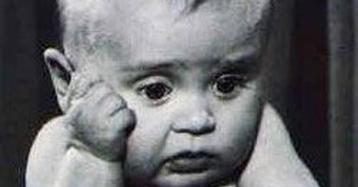 почему у ребенка 1.5 месяца текут слюни