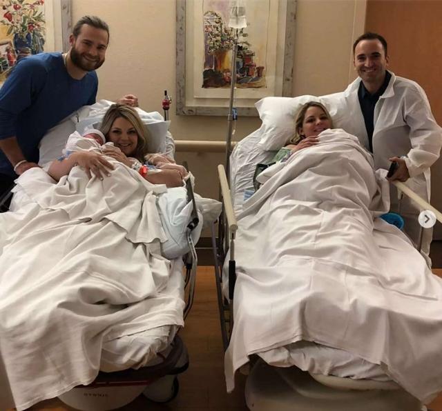 Jalynne April Crawford y su marido Brandon Michael Crawford junto Janelle Ann Leopoldo con su marido Jason Sergio Leopoldo.