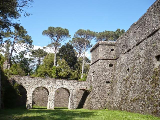 il fossato della Fortezza della Brunella