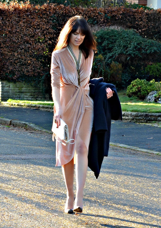 Michelle, Retrochicmama wears soft velvet dress for Christmas party look