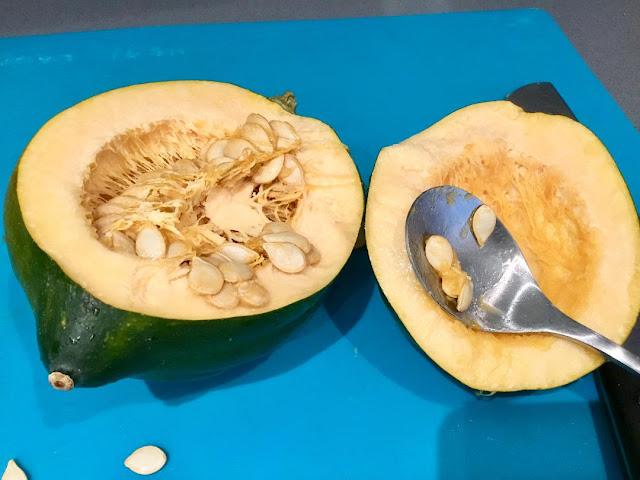 acorn squash with seeds