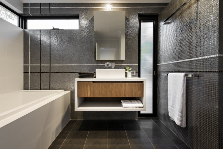 Small bathroom in The Warehaus by Residential Attitudes