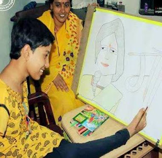 Girl(Damini) born with no hand wins Golden Book of world Records