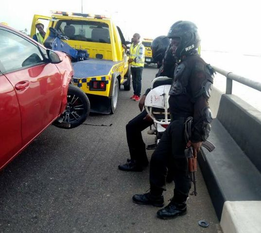 Terrible Accident On 3rd Mainland Bridge Lagos... Man's Leg Falls Into Lagoon