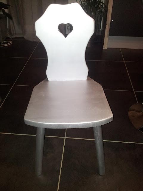 chaise bois massif peinture effet metalisée