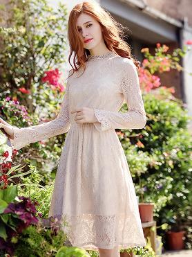 0e007bd345db0 I have chosen Simple Stripe O-Neck 3/4 Sleeve Big Hem Maxi Dress, a dress  with a narrow bodice at the waist and a wide wheeled skirt.