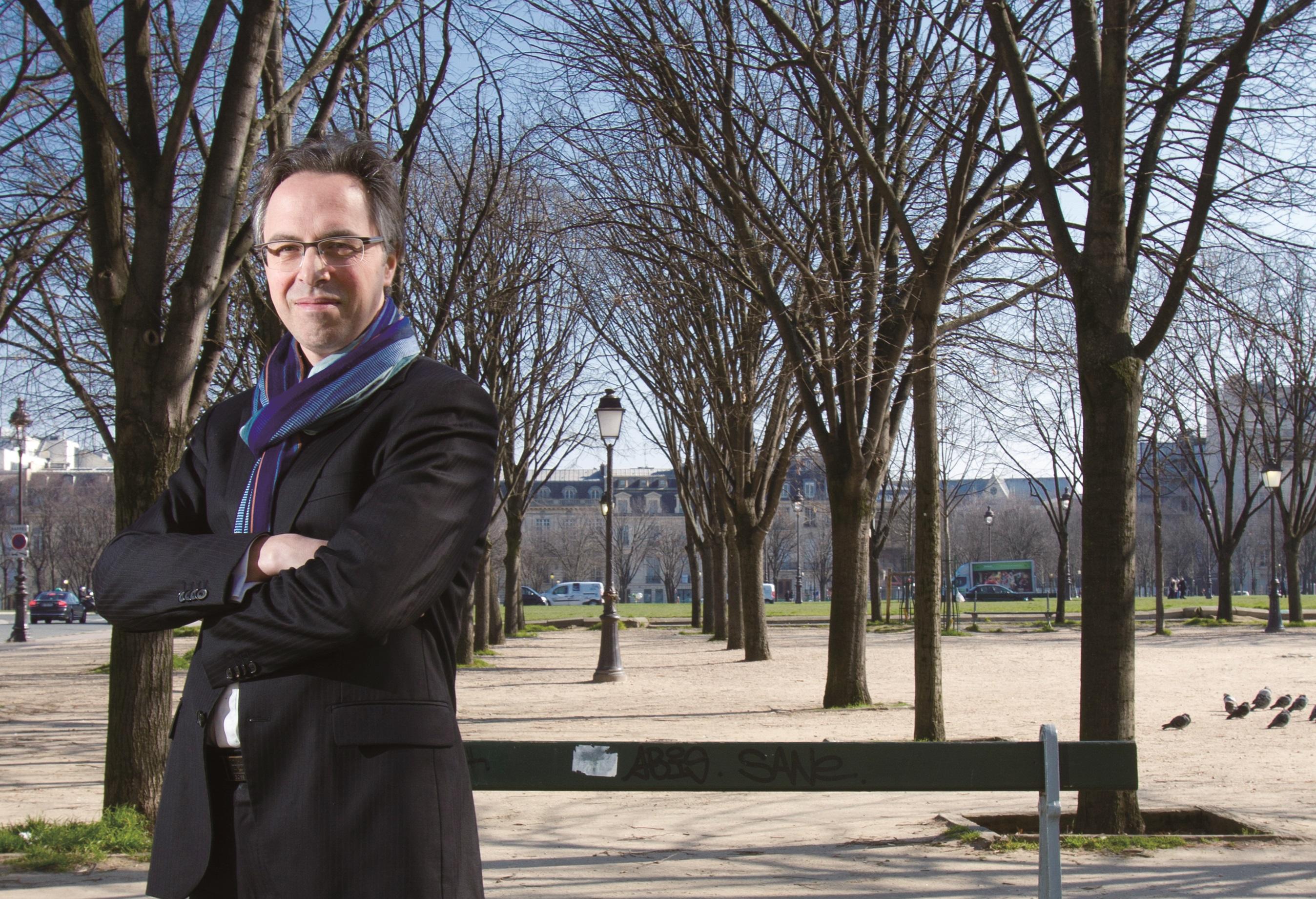 法國新創Oledcomm:靠燈泡傳輸資料,Li-Fi通訊更安全