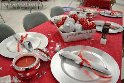 Desain Meja Makan Untuk Perayaan Natal
